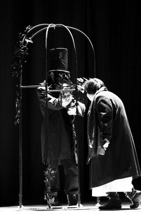 il_tuo_sguardo_mi_fa_paura_altrarte_teatro_07